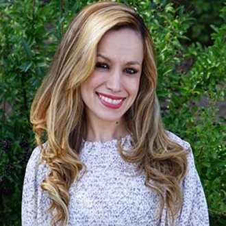 Headshot of Lorena Luna