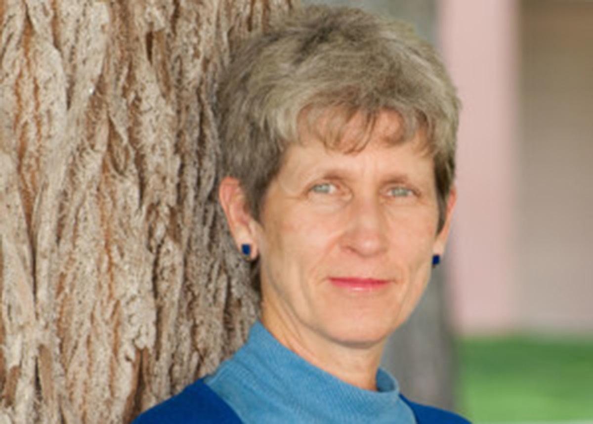 Headshot of Lisa McKenzie