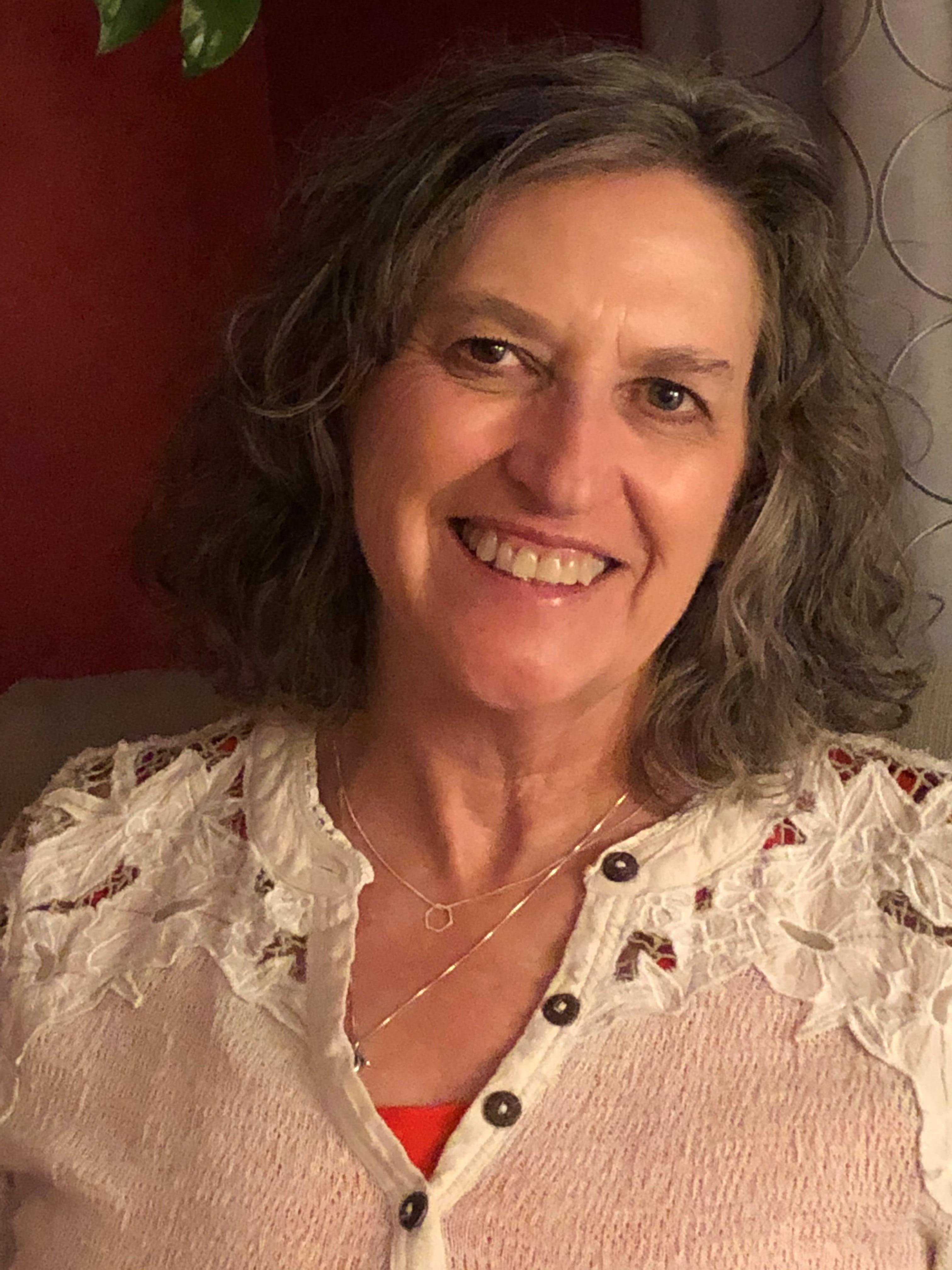 Nancy Whitesell headshot